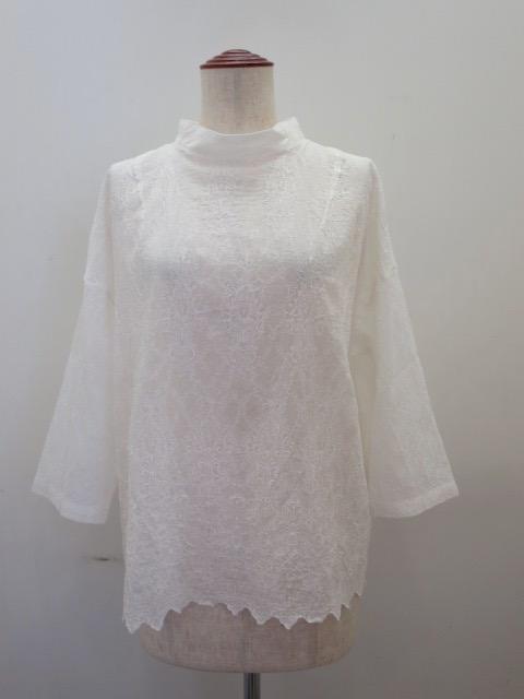 KEI Hayama PLUS(ケイハヤマプリュス) オーバーレース刺繍綿シルクローン七分袖台襟ブラウス:ホワイト