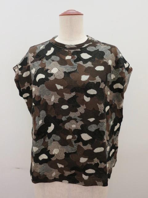 Y's YOHJI YAMAMOTO (ワイズ ヨウジヤマモト) 強撚花柄ジャガードフレンチ丸首Tシャツ:ブラウン