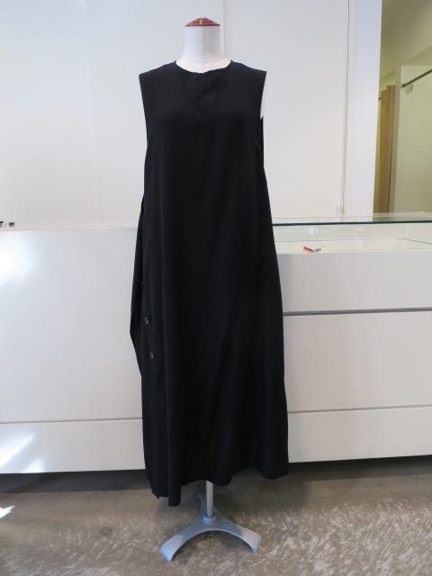 Y's YOHJI YAMAMOTO (ワイズ ヨウジヤマモト) ポプリン右フラシ釦ドレス:ブラック