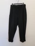 Y's YOHJI YAMAMOTO (ワイズ ヨウジヤマモト),ドライツイルハイウエスト箱ポケット裾ロールパンツ:ブラック