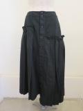 Y's YOHJI YAMAMOTO (ワイズ ヨウジヤマモト)16番ムラ糸ツイルアシメプリーツスカート:ブラック