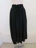 Y's YOHJI YAMAMOTO (ワイズ ヨウジヤマモト),レーヨンスパンローン右タック落ちスカート:ブラック