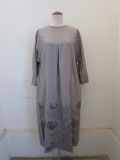 KEI Hayama PLUS(ケイハヤマプリュス),エンブロイダリーレースキュプラ綿シワ加工6分袖ワンピース:グレー