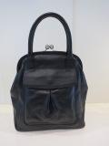 Y's YOHJI YAMAMOTO (ワイズ ヨウジヤマモト),半艶スムース口金フラップハンドバッグ:ブラック