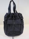 Y's YOHJI YAMAMOTO (ワイズ ヨウジヤマモト)  中綿入り巾着バッグ:ブラック