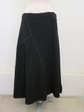 Y's YOHJI YAMAMOTO (ワイズ ヨウジヤマモト)ウールツイル縮絨加工ダーツフレアスカート:ブラック