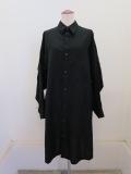 Y's YOHJI YAMAMOTO (ワイズ ヨウジヤマモト) 薄ツイル後ギャザーロングシャツ:ブラック