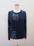 Y's YOHJI YAMAMOTO (ワイズ ヨウジヤマモト) ビンテージスクラッププリント丸首長袖Tシャツ:ネイビー