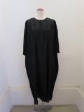 KEI Hayama PLUS(ケイハヤマプリュス) オーバーレース刺繍綿シルクローン五分袖丸首ワンピース:ブラック