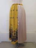 H.A.K (ハク) フラワーキャッスルプリント+箔プリントサテンプリーツスカート:マスタード×ゴールド