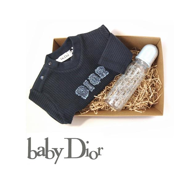 【出産祝いに】ベビーディオール baby Dior 男の子用・ギフトボックス Vネックトレーナー+哺乳瓶 セット 新品