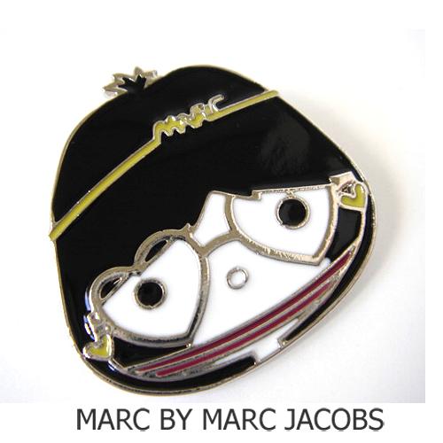 MARC BY MARC JACOBS(マークバイマークジェイコブス) ブローチ/ピンバッジ ミス マーク/シルバー M593116 新品