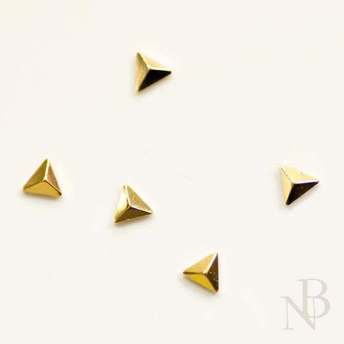 トライアングルピラミッド 2mm×2mm / ゴールド 50個入