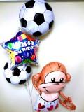 お誕生日祝「サッカーモンキー バースデーバルーン」バルーン電報になります。