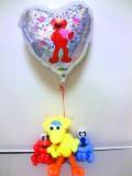 誕生日祝・入学祝・結婚祝「送料無料エルモ・ビックバード・クッキーモンスター バルーン&バルーンアート」バルーン電報になります。