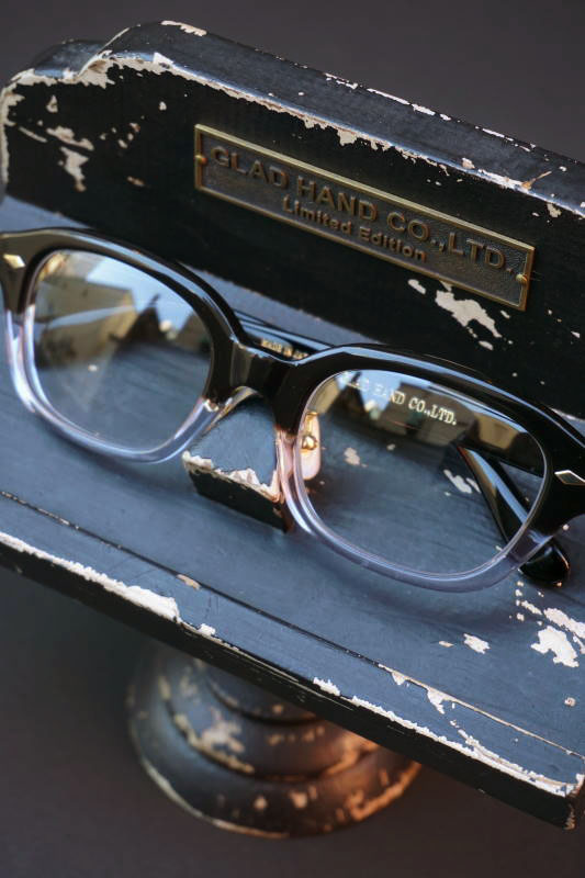 "GLAD HAMD×丹羽雅彦 J-IMMY GLASSES ORNAMENT ""GOLD"" BLK/CLR"