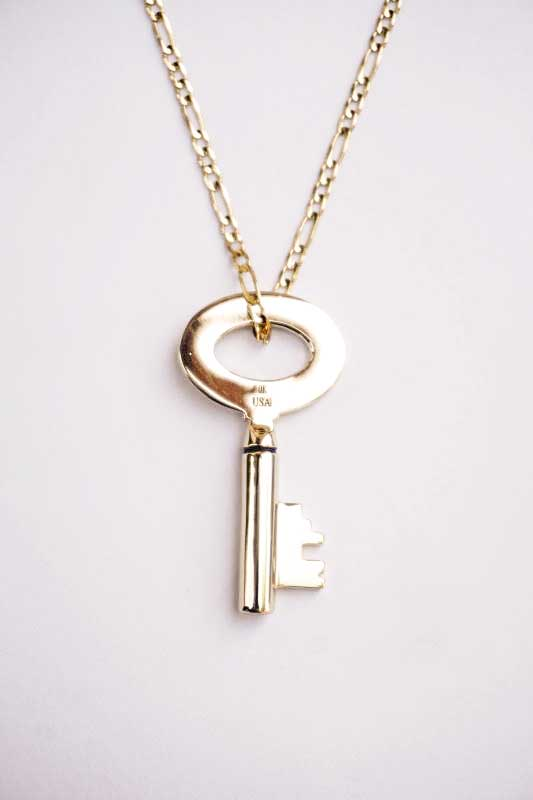 "GLAD HAND JEWELRY KEY TOP & CHAIN ""K10 GOLD"""