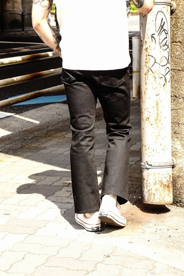 FAR EASTERN ENTHUSIAST SEMI FLARE CUT PANTS BY BAA BLACK