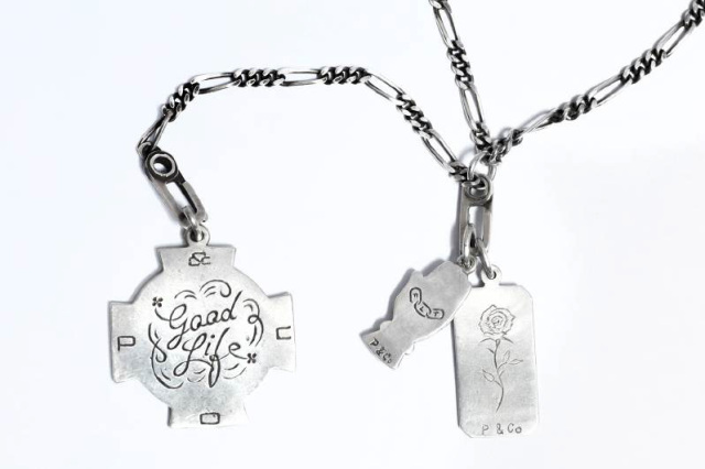 "Peanuts & Co. GOOD LIFE CHARM ""WAY OF LIFE"""