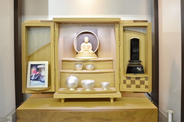 モダン上置仏壇 [夢soメモリアルケース タモ市松 ] = タモとウォールナットの市松文様がおしゃれなモダンミニ仏壇