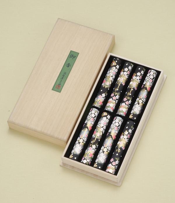 進物線香 千年桜(桐箱入り) = 桜の香をイメージした自信作。まろやかな沈香が香る微煙タイプ。ご進物用桐箱入り 送料無料