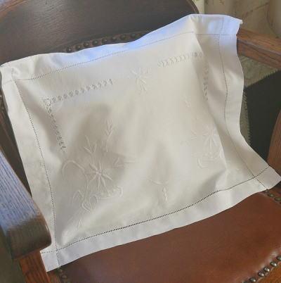 B1300 イギリスアンティークリネンランジェリーケース/パジャマケース マシーン刺繍リネン 48x38cm