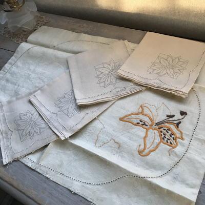 E-091 イギリスアンティークリネン 刺繍パターン5枚 ハンカチ&テーブルマット