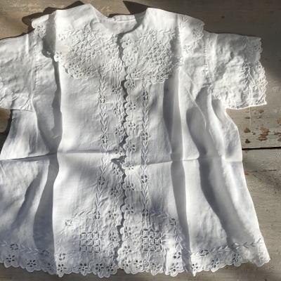 E-463  フランスアンティークベビードレス/ジャケット カットワーク手刺繍綿ローン 40cm