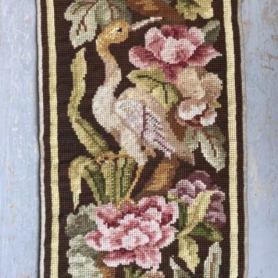 L2228 フランスアンティーク刺繍クロス 花鳥柄ミディポワン手刺繍クロス 24.5x63cm