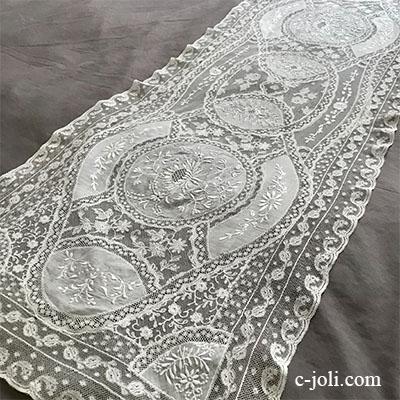 【パリ発送】L2553 フランスアンティークノルマンディーレースランナー ホワイトワーク手刺繍コットンローン&ヴァランシエンヌレース 120x44cm