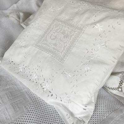 B1498 フランスアンティークピローケース/クッションケース カットワーク手刺繍コットンローン&フィレレース 42x46cm