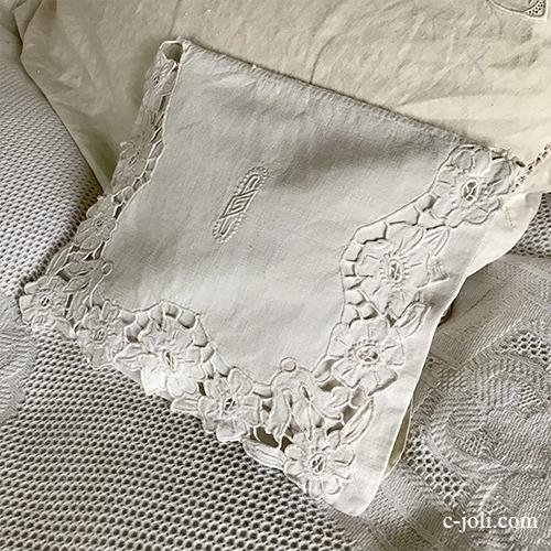 B1582 フランスアンティークリネンランジェリーケース/ナイトドレスケース 手刺繍モノグラム&カットワーク手刺繍リネン 31x25cm