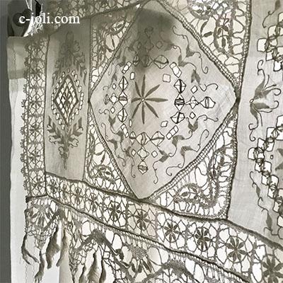 【パリ発送】C1105 フランスアンティークレース&リネンスモールカーテン カットワーク手刺繍リネンローン&ボビンレース 46x36cm