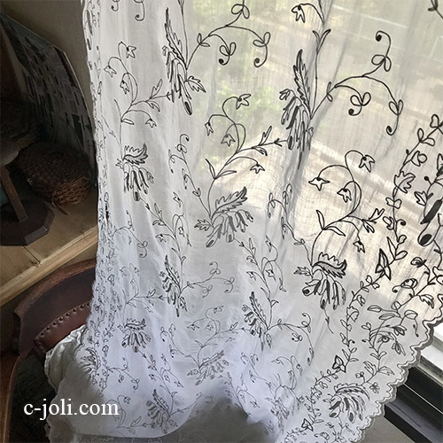 C1128 フランスアンティーク綿ローン刺繍カーテン  19世紀コーネリー刺繍コットンローンカーテン 1m73