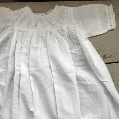 E-389 イギリスアンティークコットンベビードレス 92cm マシーン刺繍ハーフリネン