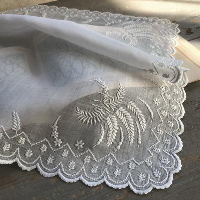 E-809 フランスアンティーク刺繍ハンカチ 19世紀ホワイトワーク手刺繍リネンローンハンカチ 39x39cm