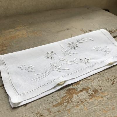 E-919 フランスアンティークリネンテーブルナプキンケース カットワーク手刺繍リネン