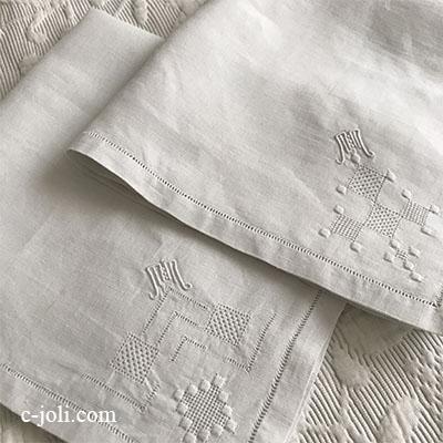 【パリ発送】E-994 フランスアンティークリネンハンカチ/テーブルナプキン2枚 手刺繍モノグラム&リネン 38.5x40cm