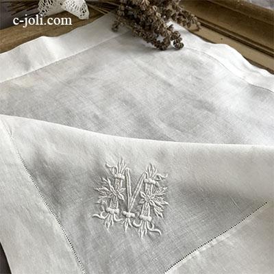 【パリ発送】E1012 フランスアンティーク刺繍ハンカチ 手刺繍モノグラムリネンローンハンカチ 41x40cm