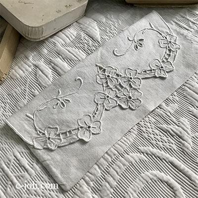 【パリ発送】E1017 フランスアンティークリネンテーブルナプキンケース カットワーク手刺繍リネンケース 24x10.5cm