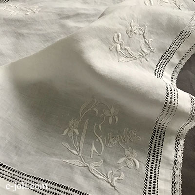 【パリ発送】E1029 フランスアンティークレース&刺繍ハンカチ ドロンワーク&手刺繍リネン&ボビンレースハンカチ 32x31cm