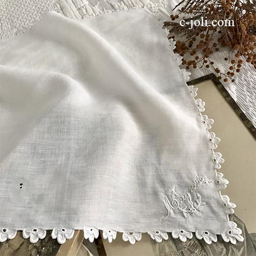 【パリ発送】E1055 フランスアンティークリネンハンカチ 手刺繍リネンハンカチ 33x32cm