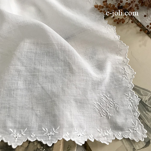 【パリ発送】E1058 フランスアンティークリネンハンカチ 手刺繍モノグラムハンカチ 35x33cm