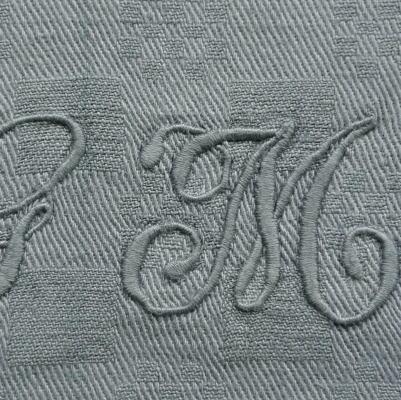L1811 フランスアンティークコットン手刺繍クロス 手刺繍モノグラムダマスク織コットンクロス 22x23cm