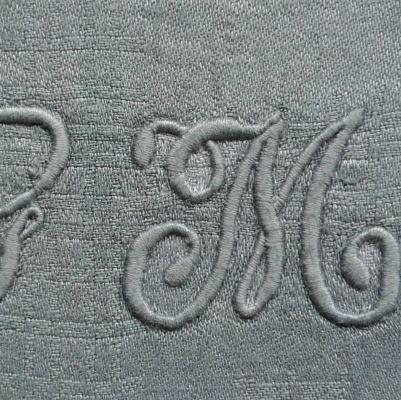 L1812 フランスアンティークリネン手刺繍クロス 手刺繍モノグラムダマスク織リネンクロス 23x24cm