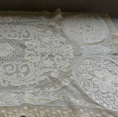 L2161 フランスアンティークレースクロス 19世紀ハンドワークフィレレース&ホワイトワーク手刺繍ノルマンディレース 82x44cm