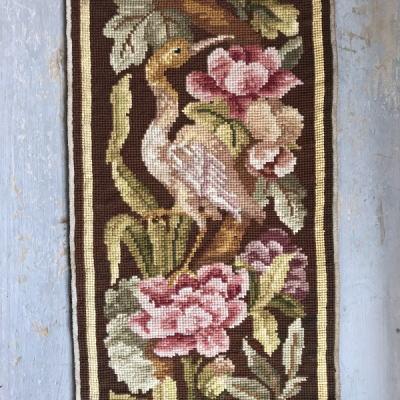 L2227 フランスアンティーク刺繍クロス 花鳥柄ミディポワン手刺繍クロス 24.5x63cm