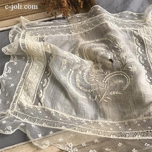 【パリ発送】L2625 フランスアンティーク刺繍&レースクロス ホワイトワーク手刺繍コットンローン&アプリカシオンレースマット  42x36cm