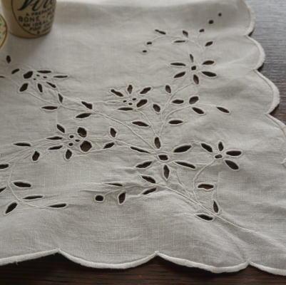 T2142 フレンチアンティークリネンテーブルセンター/テーブルマット カットワーク手刺繍リネン 69x60cm