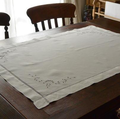 T2251 イギリスアンティークリネンテーブルクロス カットワーク手刺繍リネン 93x66cm